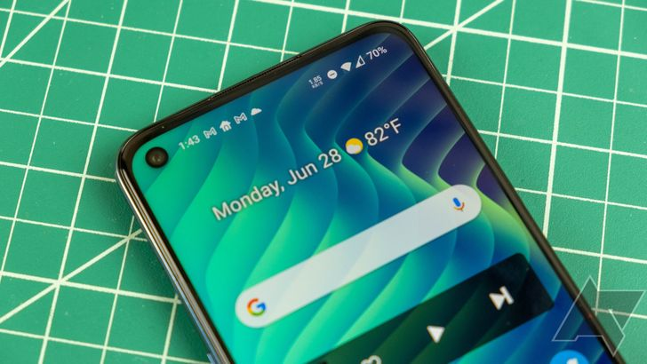OnePlus's best US budget phone is even more affordable today