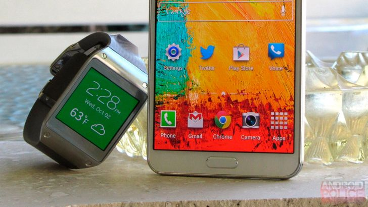Samsung tells the three people still using the OG Galaxy Gear that it's time for a mandatory update